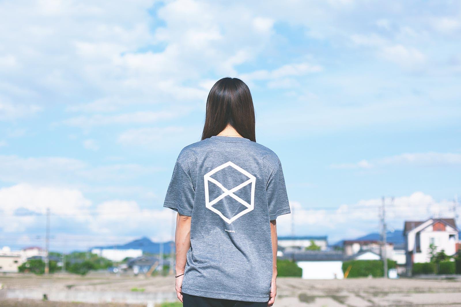 ミノリテロゴTシャツ/女性着用例